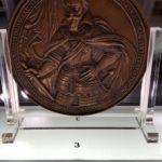 Przez gigantyczne medale