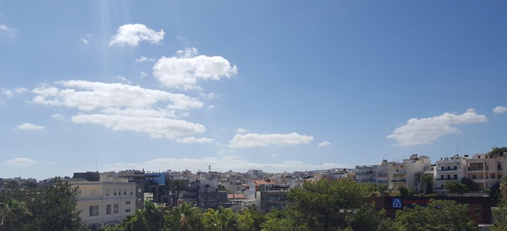 Pochmurne niebo nad Kretą