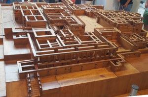 Rekonstrukcja w drewnie pałacu